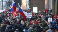 ロシア全土で大統領選ボイコット訴えるデモ、野党指導者拘束