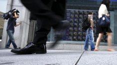 日経平均は幅続落、イタリア政局混迷で世界株安連鎖
