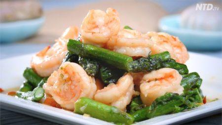 【今日の料理】アスパラとエビの炒め物