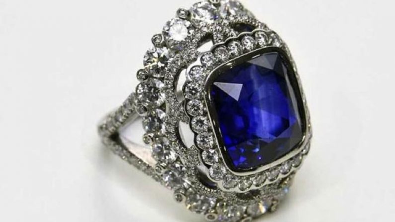 【ダイヤ】スミソニアン国立博物館のブルーダイヤモンドの数奇な運命