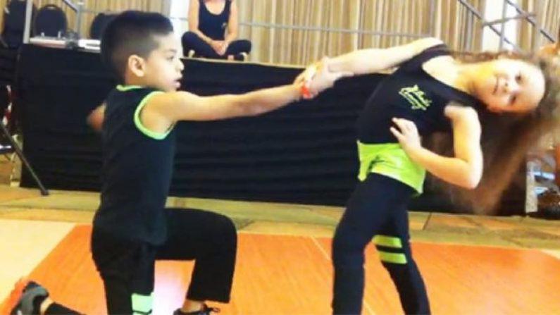 【アスーカル!!】情熱的なサルサを披露するのは、6才と8才のちびっこ
