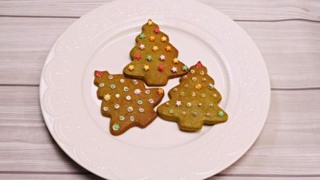 【レシピ動画】わくわく抹茶型抜きクッキーで可愛いクリスマスツリー