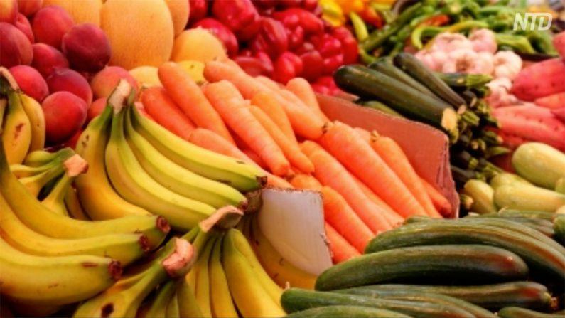 【動画ニュース】「果物も買えないのに車を買えと?」中国が消費促進20項目を発表