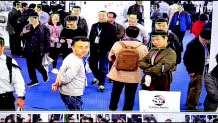 【動画ニュース】広がる顔データの流出 ネットユーザー「政府機関から漏洩」